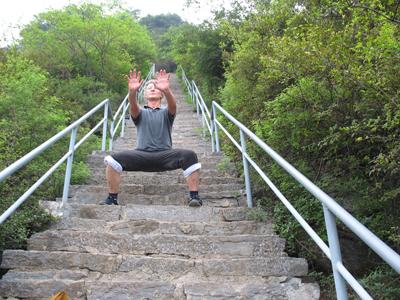 Aufstiegstreppe zur Bodhidharma Höhle - Henan